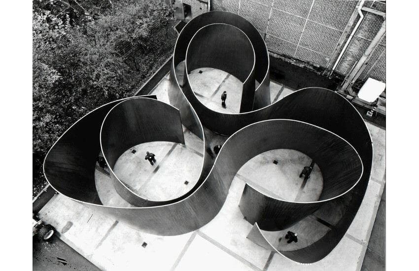 exhibitions of large scale works by american artist richard serra born in 1938 in san francisco