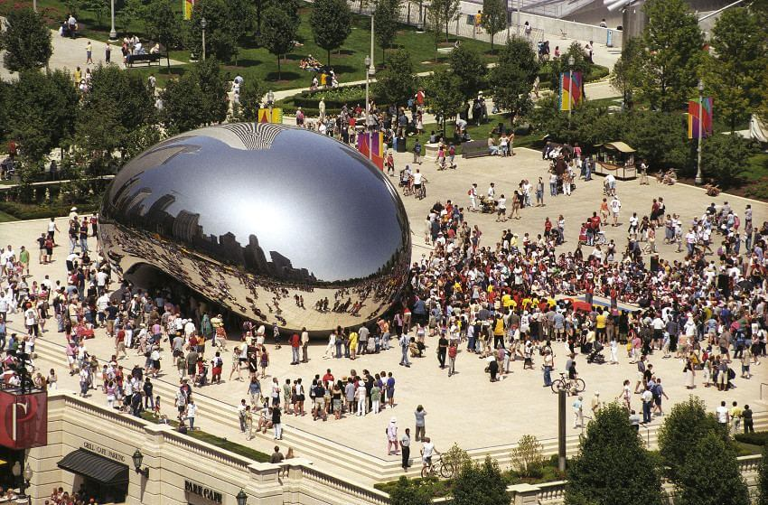 Anish Kapoor was born in November 1954 in India