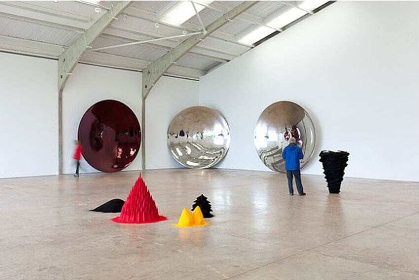 Anish Kapoor art on view at Longside Gallery