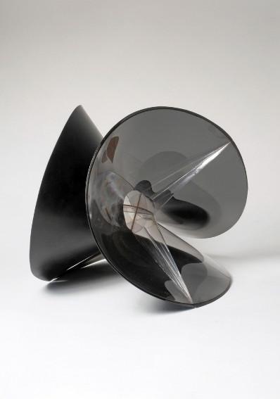 Naum Gabo Spheric theme black variation