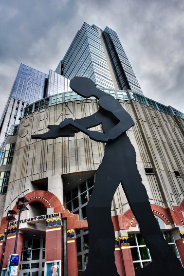 Jonathan Borofsky Hammering Man
