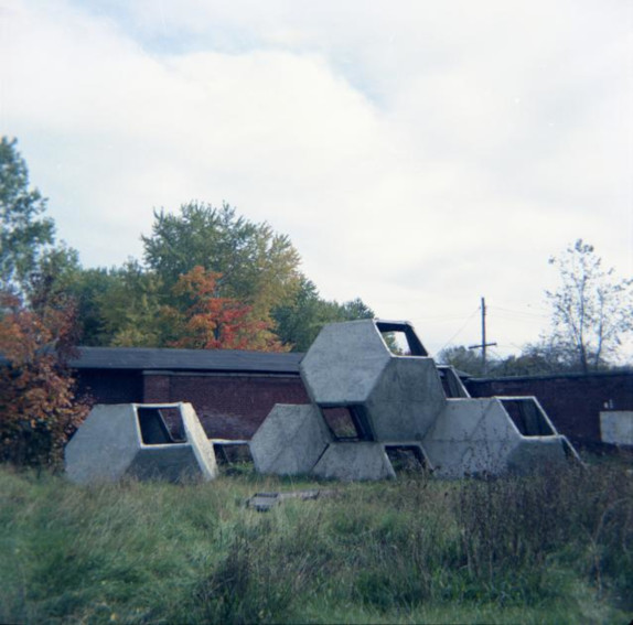 Tony Smith Bennington Structure sculpture
