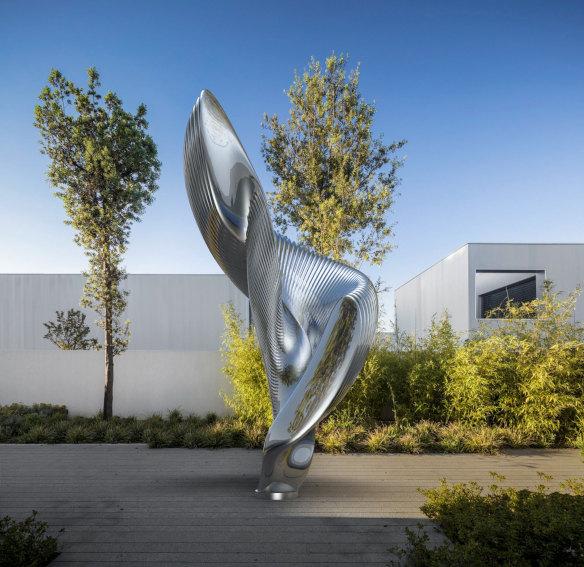 Ken Kelleher Becoming sculpture