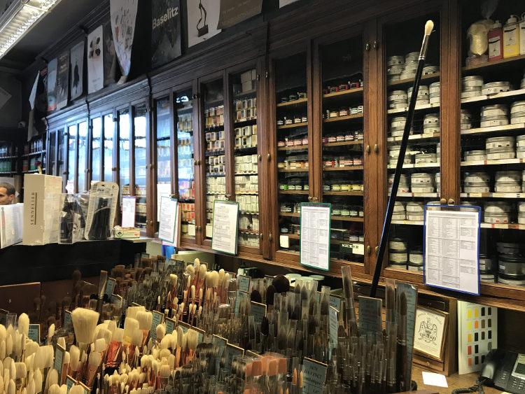 Sennelier art store in Paris