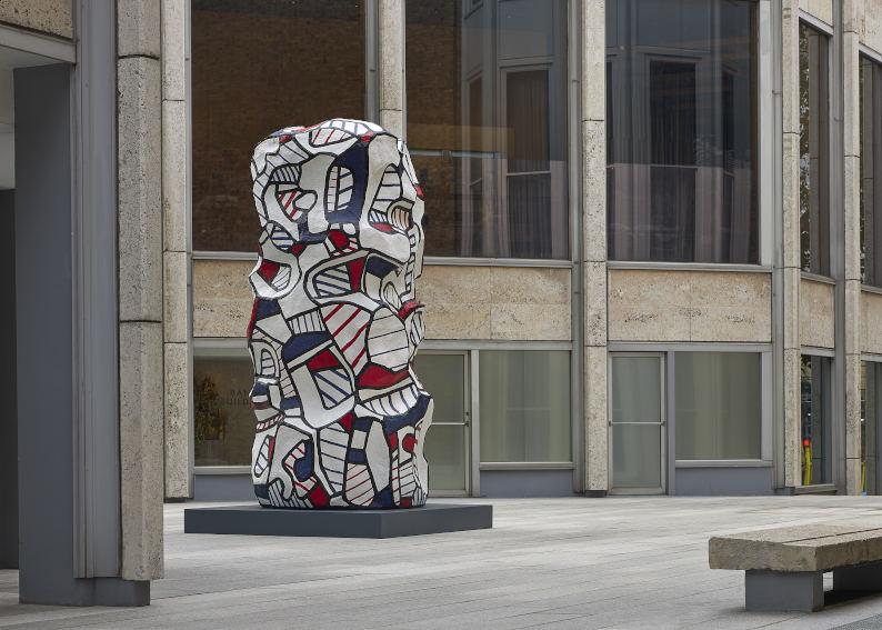 Jean Dubuffet Tour aux recits installation image